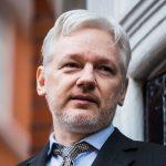 Dix ans après, WikiLeaks sous le feu des critiques